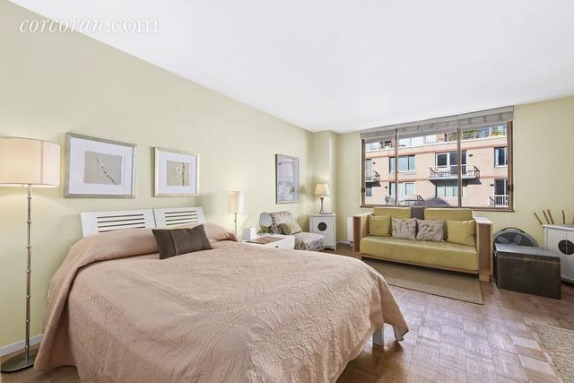 393 West 49th Street, Unit 4CC Image #1