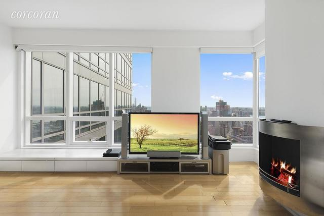 350 West 42nd Street, Unit 45A Image #1