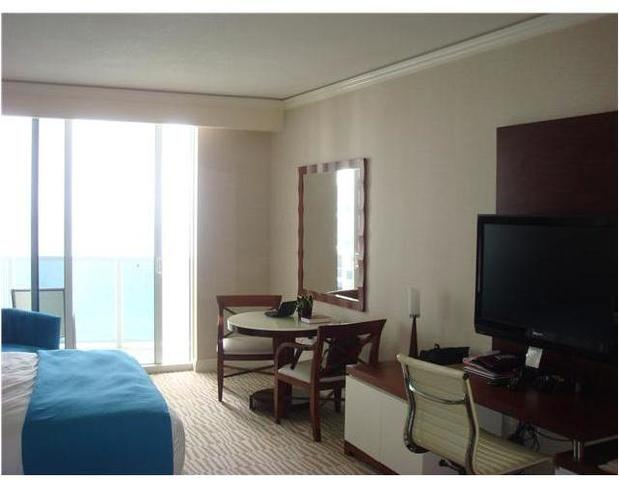 18001 Collins Avenue, Unit 1508 Image #1