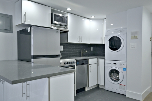 85 East 10th Street, Unit 6N Image #1