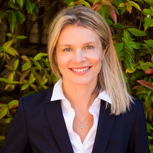 Irina Luck,                     Agent in San Francisco - Compass