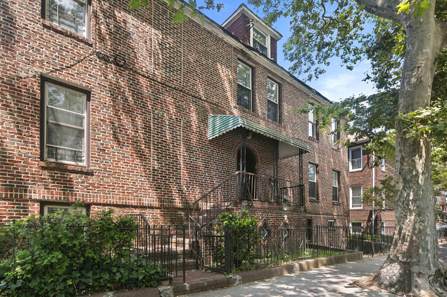 116 East 39th Street Brooklyn, NY 11203