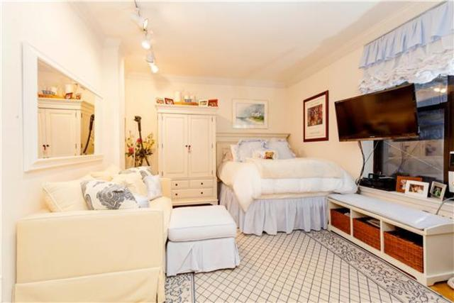 112 West 72nd Street, Unit 10C Image #1
