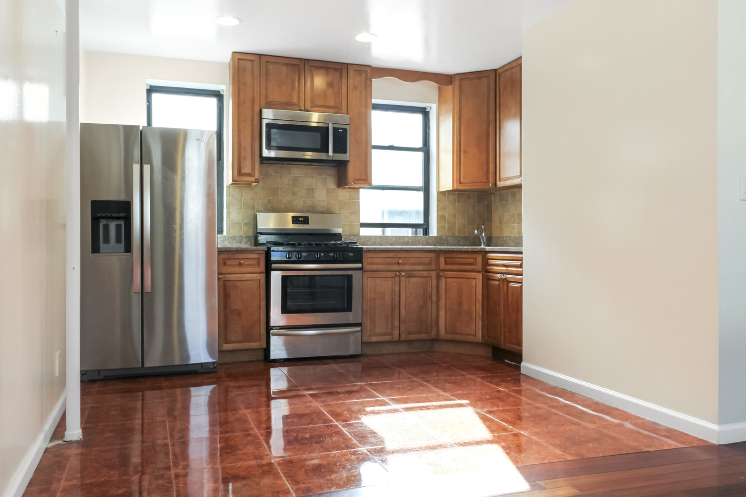21-27 33rd Street, Unit 5G Queens, NY 11105