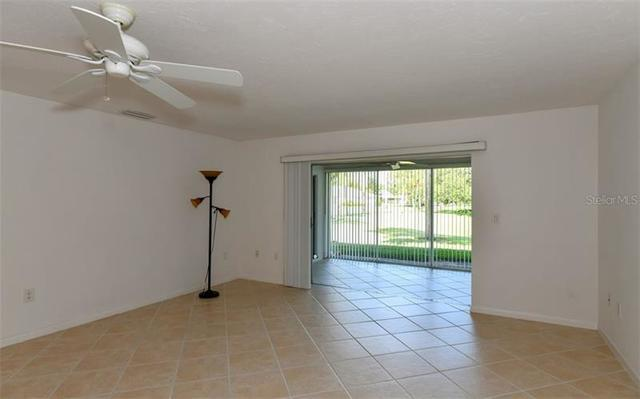 5749 Center Pointe Lane, Unit 17 Sarasota, FL 34233