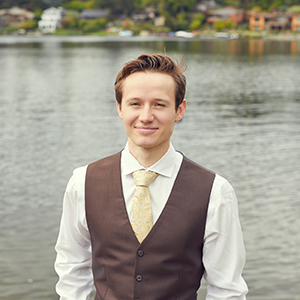 Aaron Lawrenson,                     Agent in Seattle - Compass