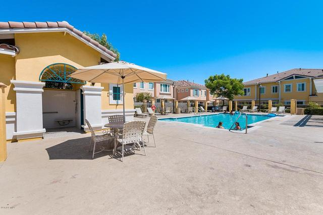 2916 Esperanza Way, Unit E Simi Valley, CA 93063