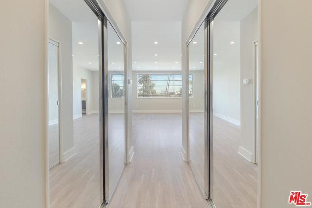 450 South Maple Drive, Unit 302 Beverly Hills, CA 90212