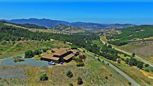 9511 Circle R Drive Valley Center, CA 92082