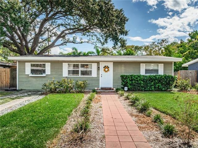 4718 West Wallace Avenue Tampa, FL 33611