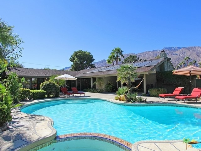 520 North Phillips Road Palm Springs, CA 92262
