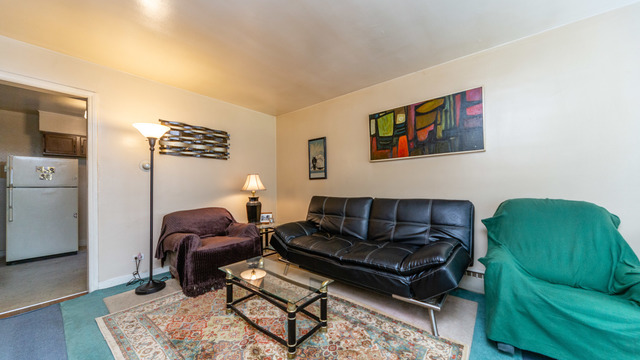 2650 West Gregory Street, Unit 2E Chicago, IL 60625