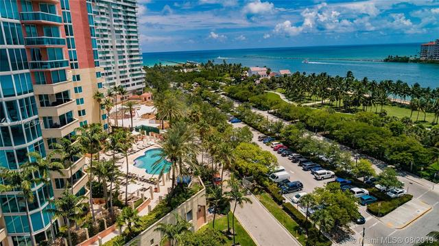 300 South Pointe Drive, Unit 303 Miami Beach, FL 33139
