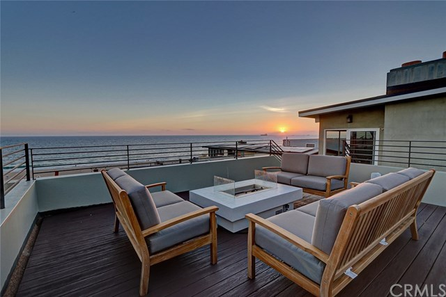 2110 Ocean Drive Manhattan Beach, CA 90266