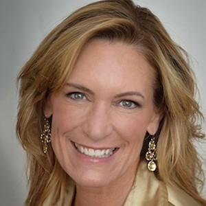 Tracy Pisenti,                     Agent in San Francisco - Compass
