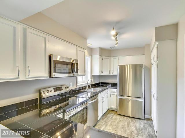 5705 Brewer House Circle, Unit 301 Image #1