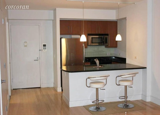 242 East 25th Street, Unit 3E Image #1