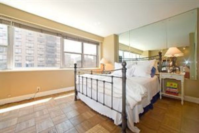 165 East 32nd Street, Unit 6C Image #1