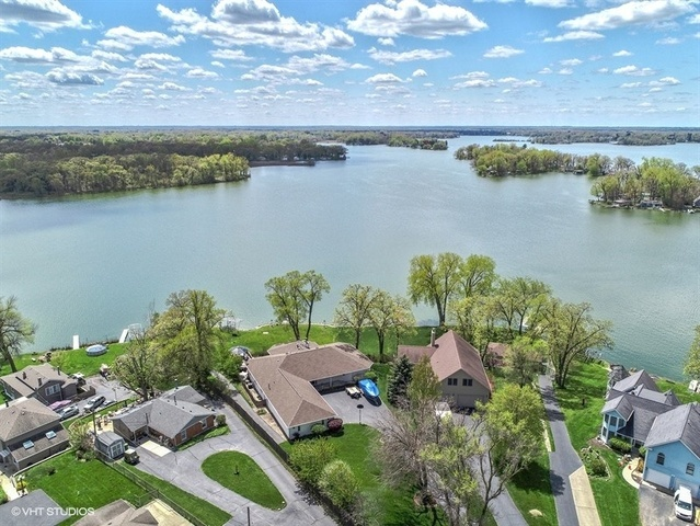 527 Circle Drive Fox Lake, IL 60020