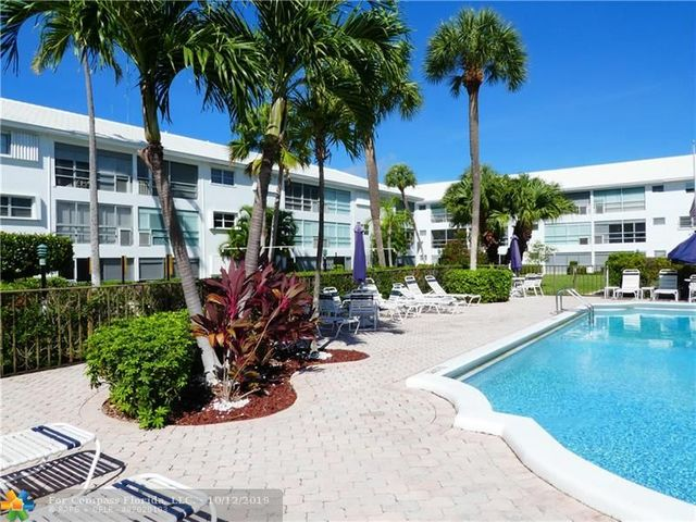 2050 Northeast 39th Street, Unit 205W Lighthouse Point, FL 33064