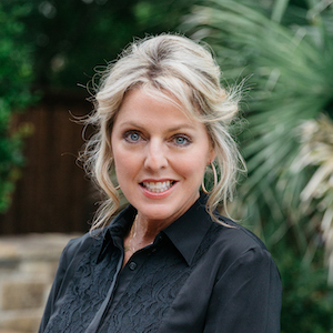 Lisa Purselley,                       Agent in Dallas-Fort Worth - Compass