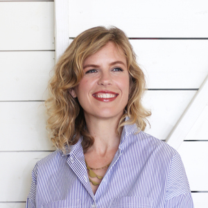 Lindsay Harris,                     Agent in Austin - Compass