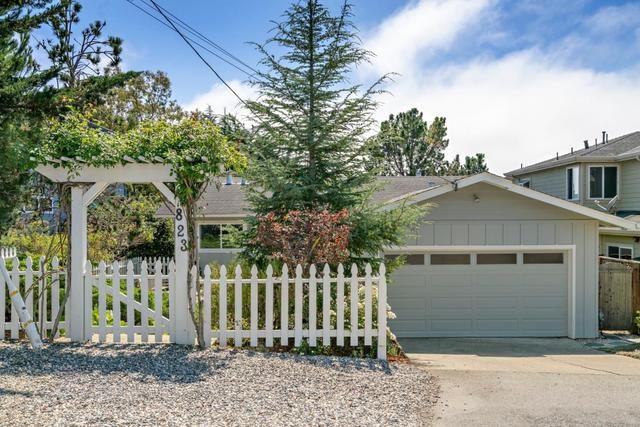 823 Ave Balboa Half Moon Bay, CA 94019