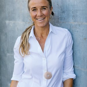 Erin Lail,                     Agent in San Francisco - Compass
