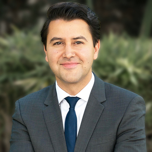 Ari Afshar,                   Agent in Los Angeles - Compass