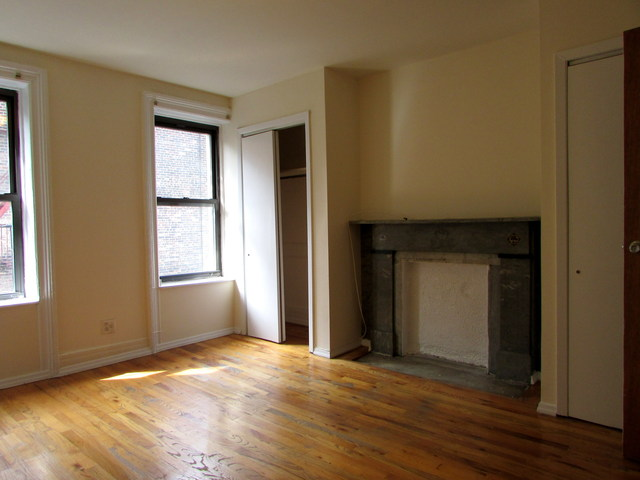 142 West 17th Street Image #1