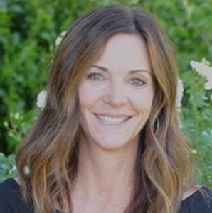 Traci Miller,                     Agent in San Francisco - Compass