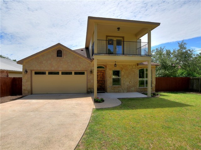 10815 Oakwood Circle Dripping Springs, TX 78620
