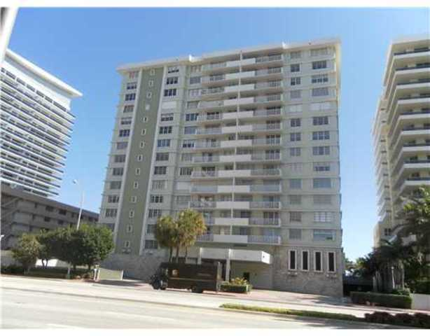 5825 Collins Avenue, Unit 11D Image #1