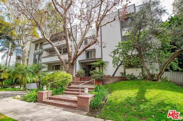 406 North Oakhurst Drive, Unit 203 Beverly Hills, CA 90210
