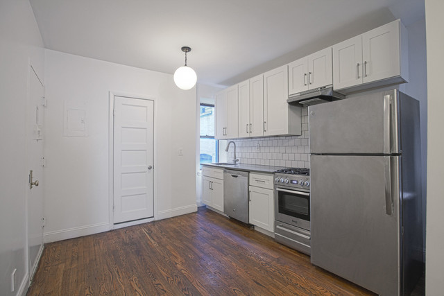 110 8th Avenue, Unit 4S Image #1