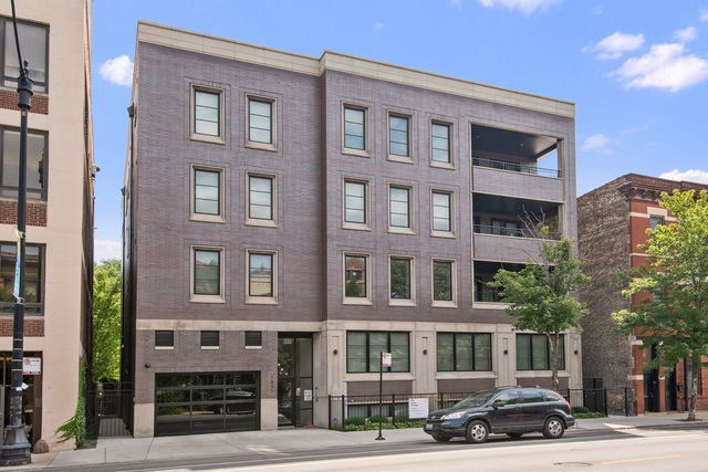 1851 North Halsted Street, Unit 1F Chicago, IL 60614