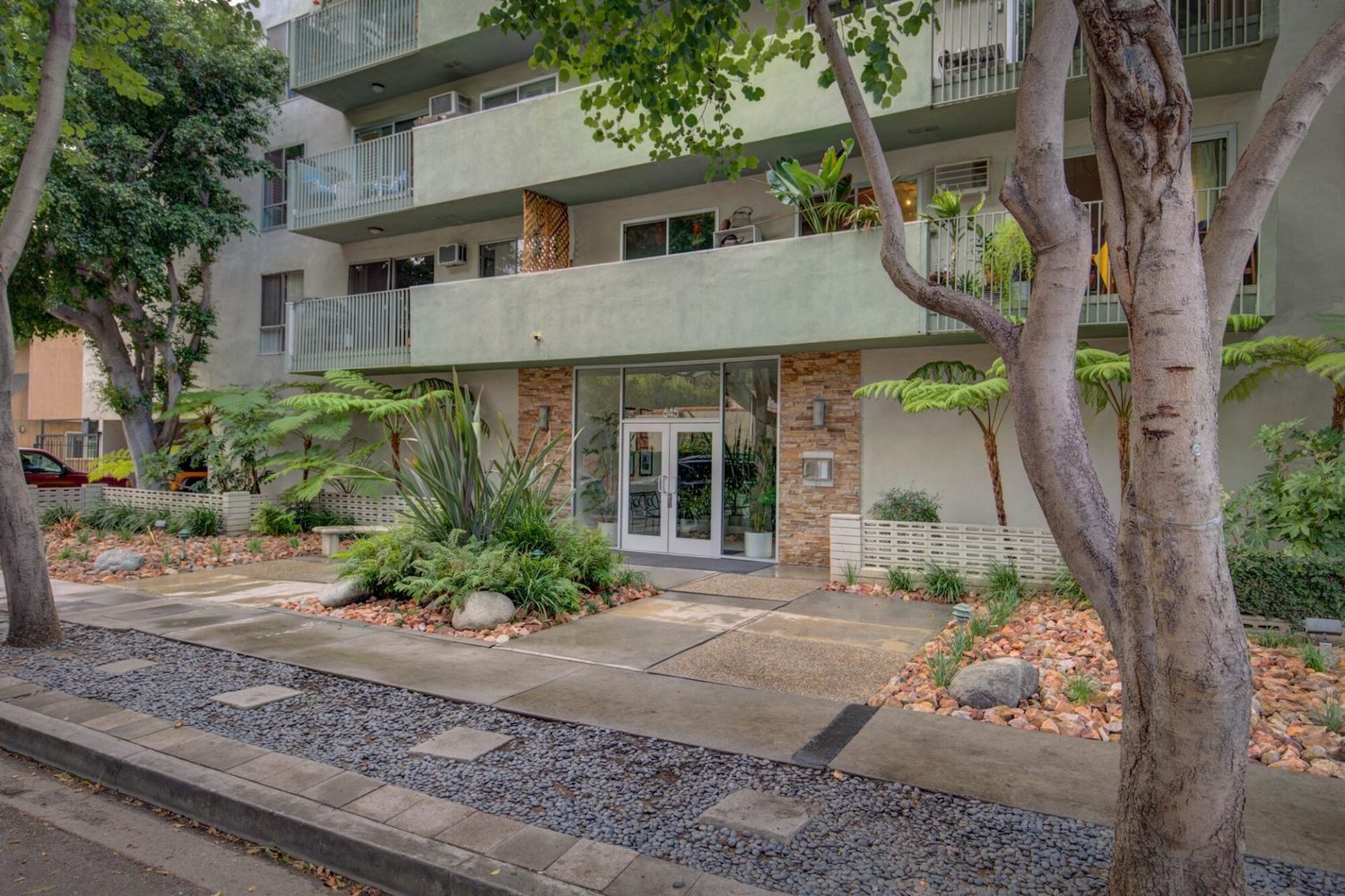 645 Westmount Drive, Unit 306 West Hollywood, CA 90069