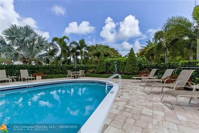 2190 Northeast 51st Court, Unit 201 Fort Lauderdale, FL 33308