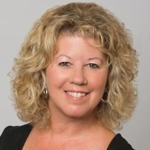 Sandra Cox,                     Agent in San Francisco - Compass