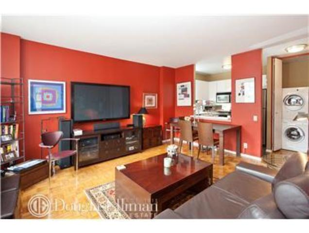 21 South End Avenue, Unit 733 Image #1