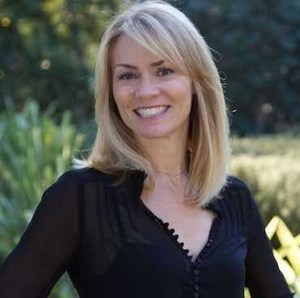 Erica Ginsberg,                     Agent in Los Angeles - Compass