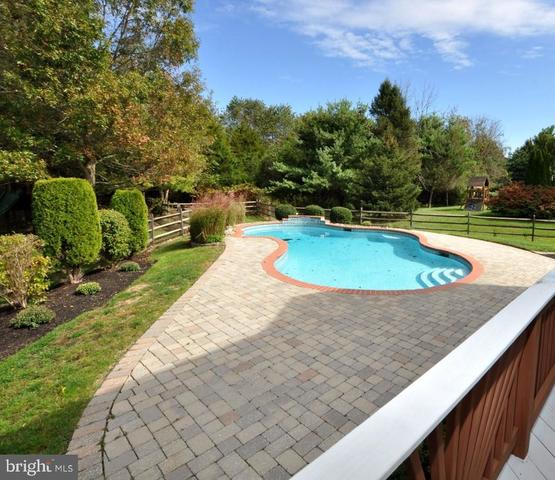 9 Saddler Drive Medford, NJ 08055
