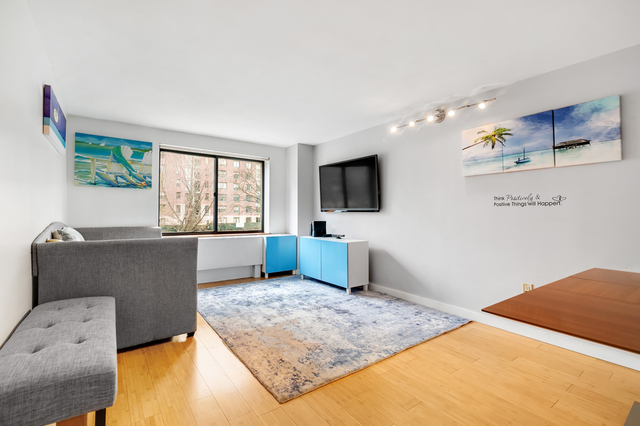 280 Rector Place, Unit 3D Manhattan, NY 10280