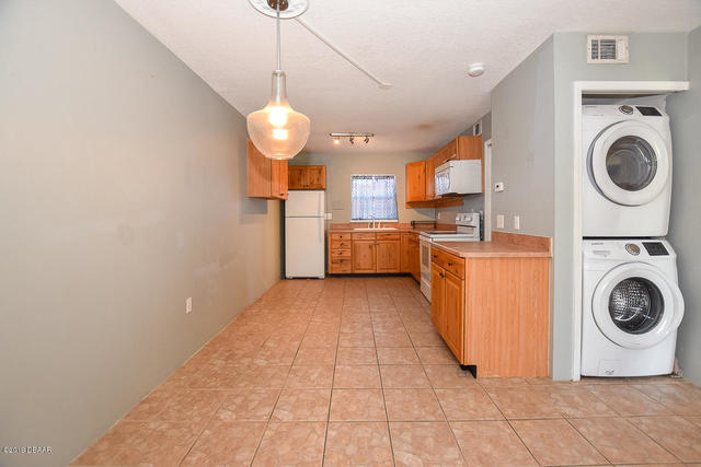1290 9th Street, Unit 604 Daytona Beach, FL 32117