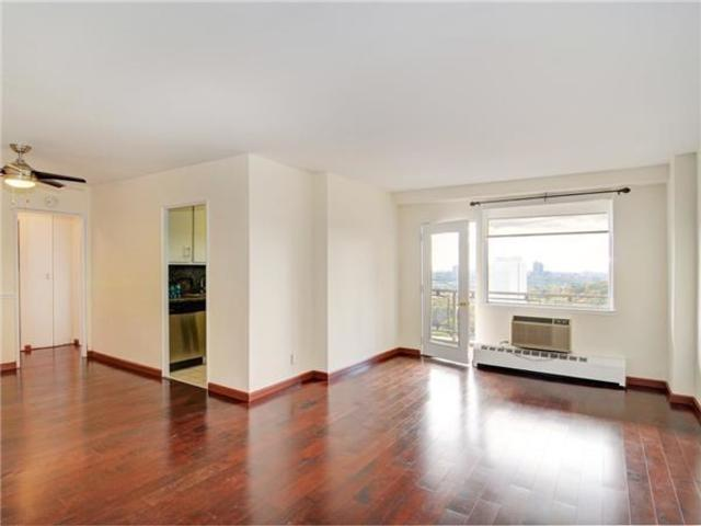 5700 Arlington Avenue, Unit 20D Image #1