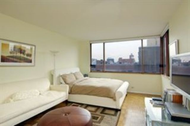 393 West 49th Street, Unit 5N Image #1