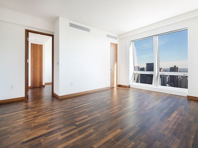 400 5th Avenue, Unit 50C Image #1