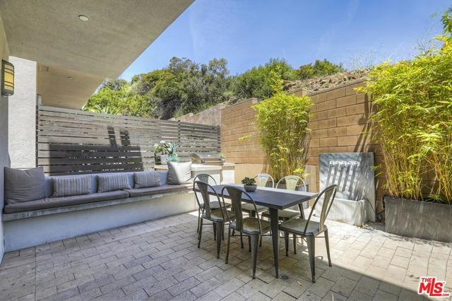 6747 Gill Way Los Angeles, CA 90068