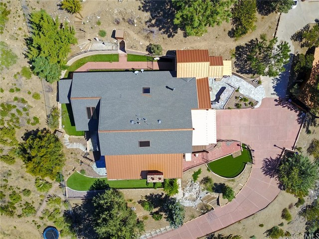 488 Highway 2 Wrightwood, CA 92397