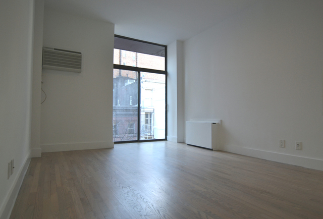 85 East 10th Street, Unit 4Q Image #1